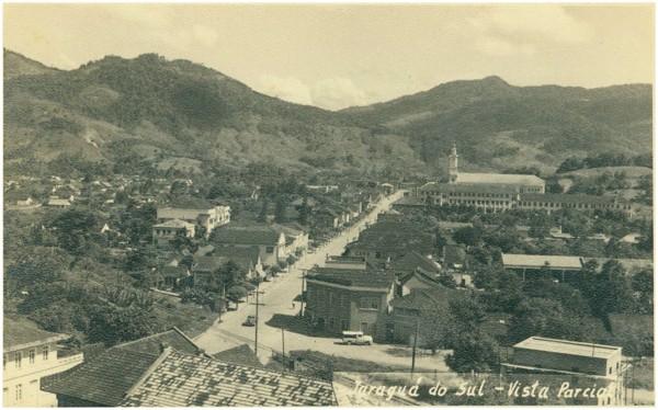 Vista [panorâmica da cidade : Avenida Marechal Deodoro da Fonseca] : Jaraguá do Sul, SC - [19--]