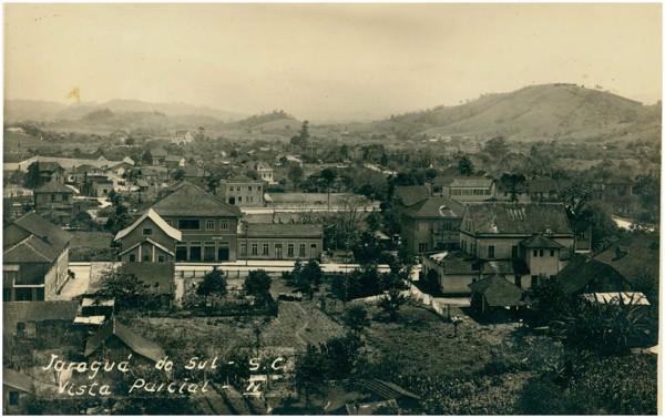 Vista [panorâmica da cidade] : Jaraguá do Sul, SC - [19--]