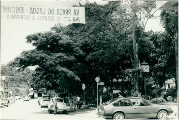 [Praça do Largo 21 de Abril] : Embu das Artes, SP - [19--]