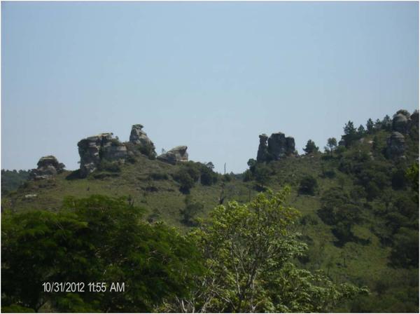 Pedra da Galinha : Pedra do Camelo : Bom Sucesso de Itararé, SP - 2012