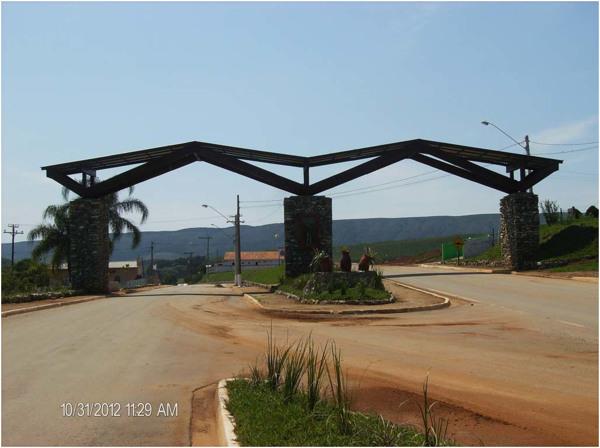 Portal de entrada da cidade : Bom Sucesso de Itararé, SP - 2012