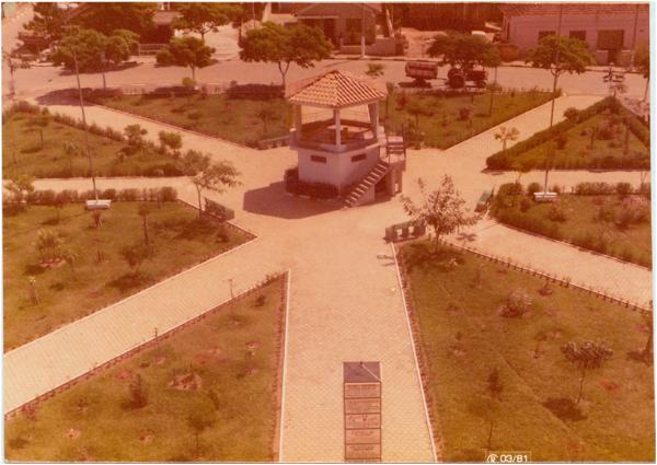Praça [Padre Elredo] : Coronel Macedo, SP - 1981