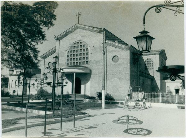 Igreja Matriz [Nossa Senhora da Conceição : Praça Coronel Jordão] : Itararé, SP - [19--]