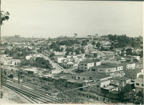 [Linha Férrea da] Estação Francisco Morato : vista panorâmica da cidade : Francisco Morato, SP - [19--]