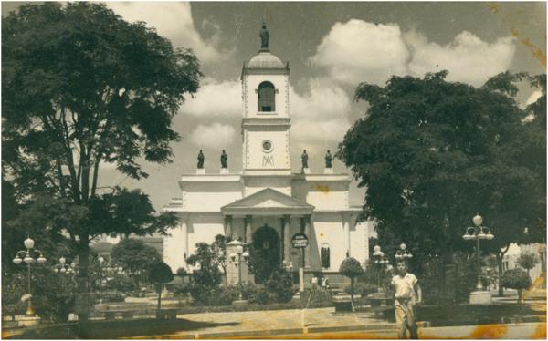[Praça Raul Leme : Catedral] : Bragança Paulista (SP) - [19--]